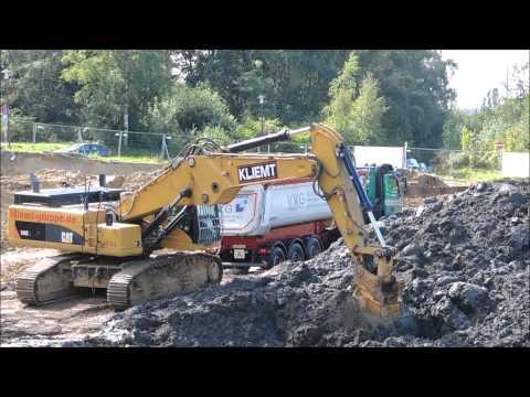 Caterpillar 345C und LKW SAP Baustelle in Ratingen für Geologen