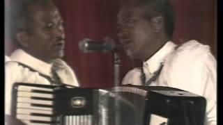 Ethio Oldies: Frew Hailu - Eyetegnu Nequ (እየተኙ ነቁ)