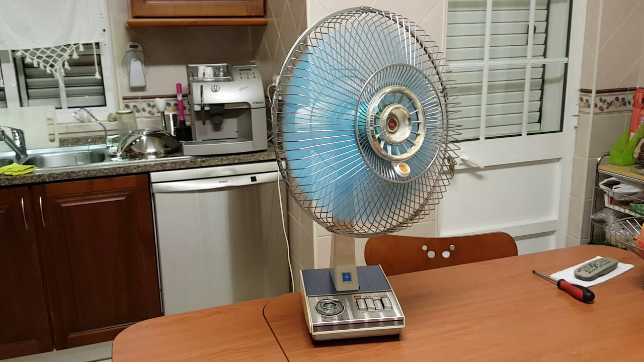 Kdk 8quot Fan Antique Fans Electric T And Vortelex 3speed Oscillating Table Model 78x593 Youtube 16 Inch Vintage By