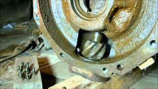 トラクタの前輪軸のボールベアリングが二個とも破損してしまいました。...
