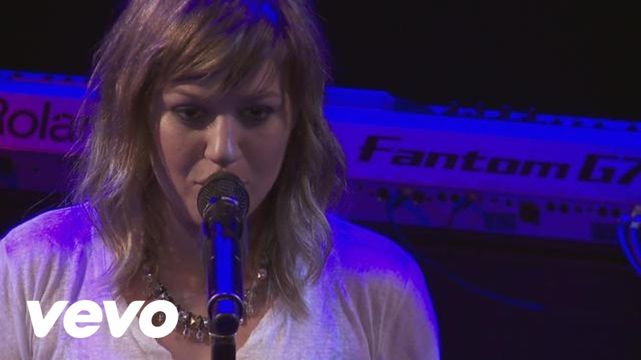 Download Kelly Clarkson - Sober (Live From the Troubadour 10/19/11)
