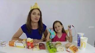 ЧЕЛЛЕНДЖ Какой Фастфуд Вкуснее Веселое видео для детей // Вики Шоу