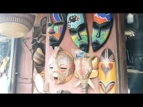 Beautiful African craft and arts shopping in Monrovia Liberia. #Liberiantalent