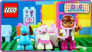♥ LEGO Doc McStuffins First Day at Backyard Clinic (Episode 1)