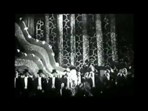 "GITTA ALPAR: Tanzszene aus ""Gitta entdeckt ihr Herz"" (1932)"