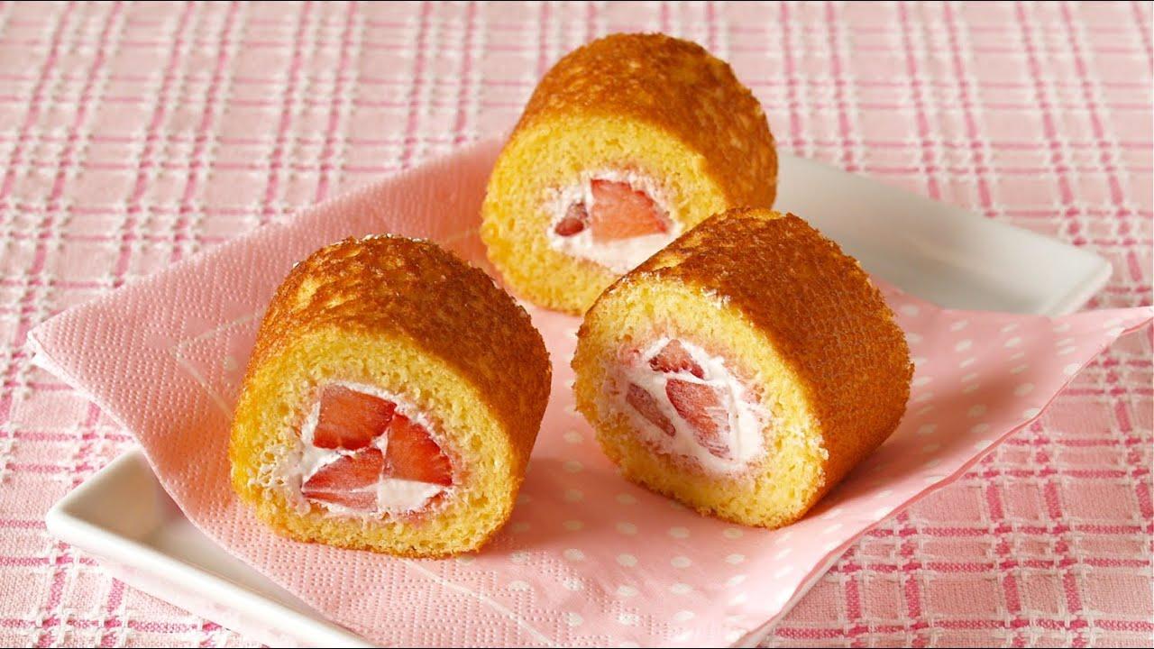 Strawberry Roll Cake Japanese Recipe: Mini Strawberry Roll Cake Without Oven (Swiss Roll) フライパンで
