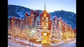 Top 8 Places to Celebrate Christmas in the USA 2017