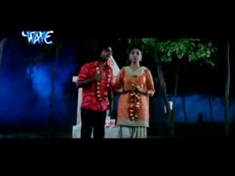 Hum tohra piritiya me bhojpuri song by pawan singh in sindurdan
