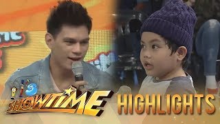 It's Showtime MiniMe 3: A kid gets Zeus speechless