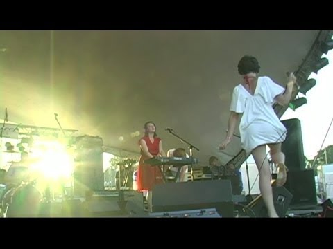 Alley Kids Rule (LIVE) ... You Say Party! We Say Die! HQ at the Big Time Out 2008