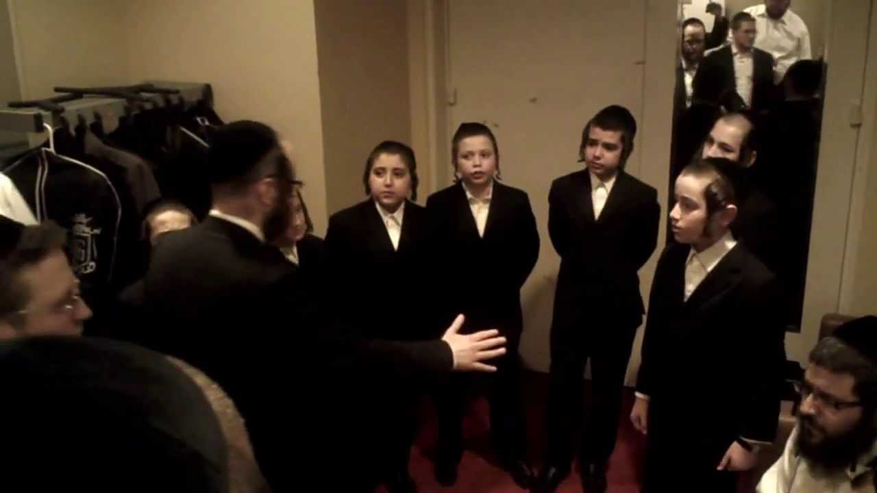 Shir Vshevach Boys Choir, Shira Choir & Baruch Levine rehearsing Uforatzto backstage at HASC 27