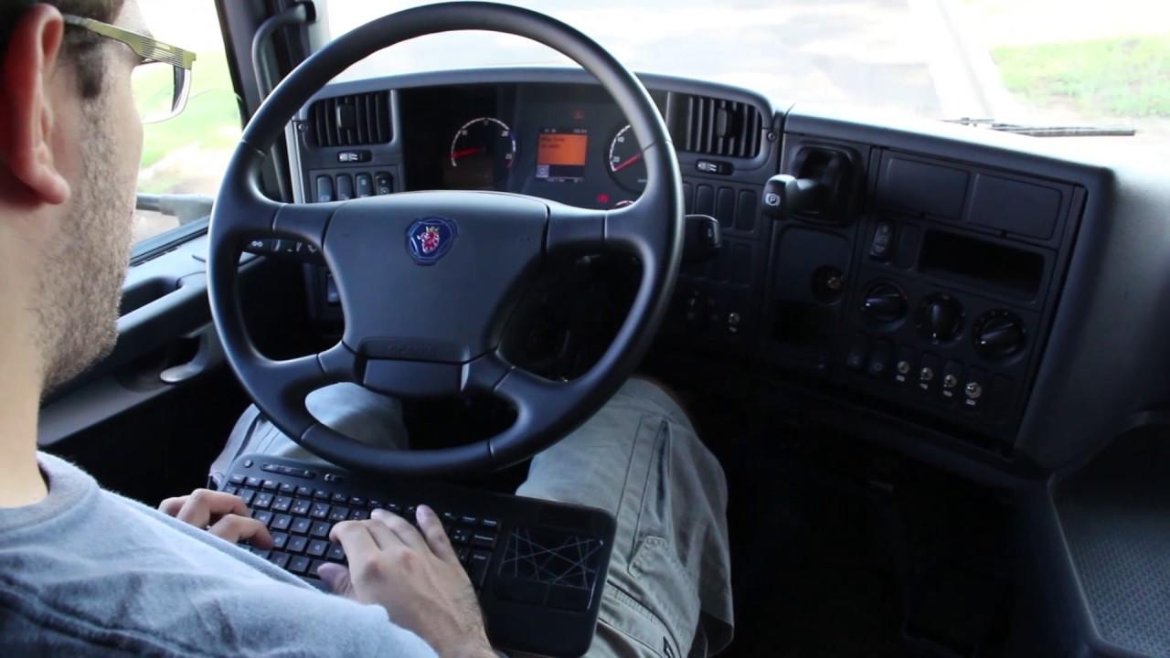 Controle de Sistemas Lineares Sujeitos a Saltos Markovianos Aplicado em Veículos Autônomos