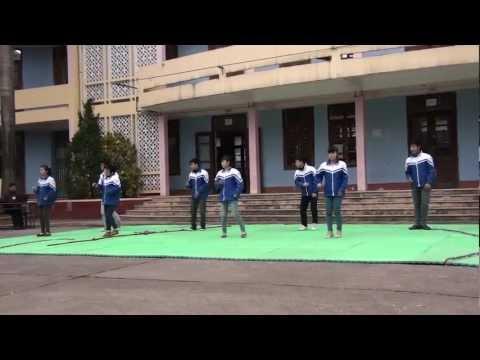 trường THPT Bỉm Sơn kỷ niệm ngày học sinh sinh viên việt nam 11b5
