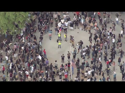 No arrests made during peaceful protests Saturday in Chicago