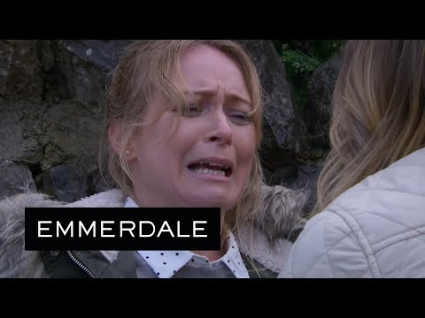 Emmerdale - Charity Finds Vanessa Bleeding to Death