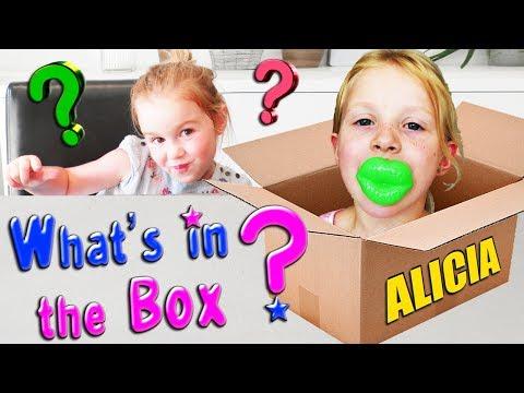 Challenge What's in the box avec Alicia de JULIAN & ALICIA Channel Kids - C'est quoi dans la boite ?