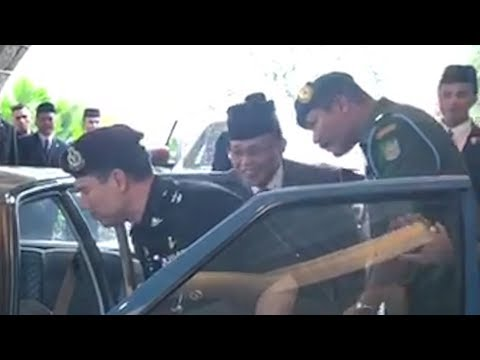 Johor MB denies he was stopped from entering Sultan's Proton Saga