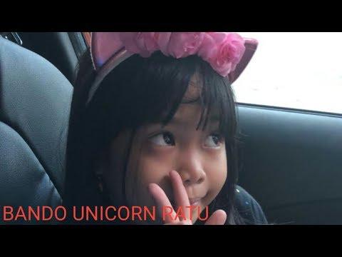 beli bando unicorn buat Ratu