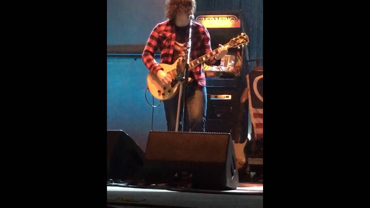 Watch Ryan Adams Cover Oasis' 'Morning Glory,' 'Supersonic