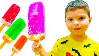 Егорка и игры в продавца мороженого
