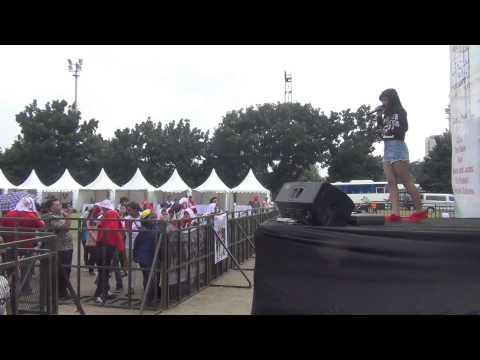 Queen & Jacks - 5 Menit Saja (Live Concert At Senayan, Lapangan D)