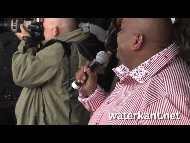 Huldiging Bryan Bijlhout in De Bijlmer