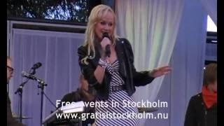 Anna Bergendahl - Live at Love Stockholm 2010, Kungsträdgården, Stockholm 2(8)