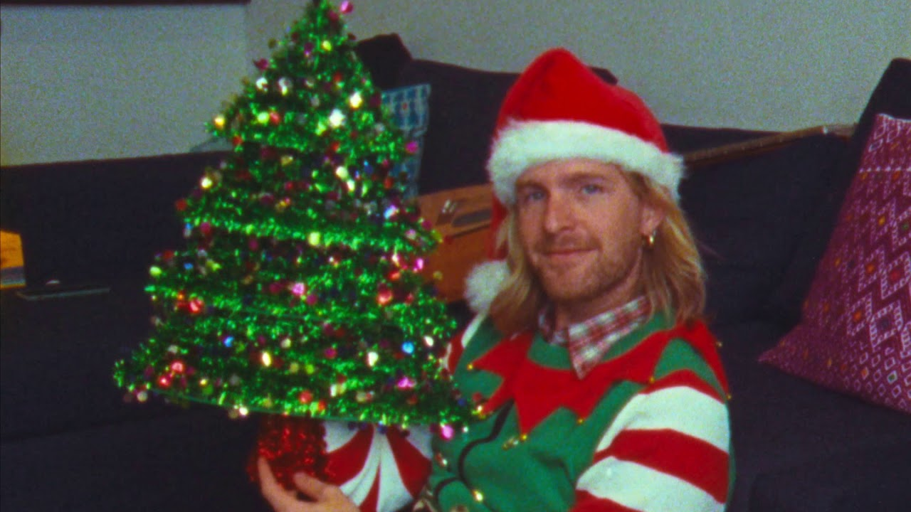 Michael Giacchino & Itchy Teeth say Merry Christmas!