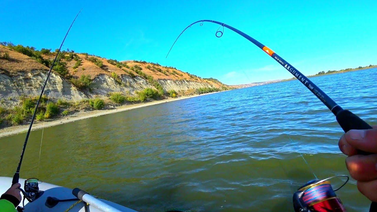 ОНА ДУМАЛ это зацеп НО ОН ОЖИЛ  как поймать РЫБУ НА СПИНИННГ рыбалка 2020