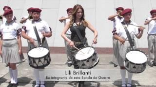 LILI BRILLANTI TOCA EN BANDA DE GUERRA
