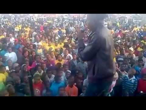 Scelo Mpungose - Ukungingiza