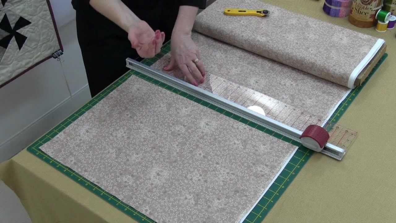 Sew Easy Roller Cutter - YouTube : quilting fabric cutter - Adamdwight.com