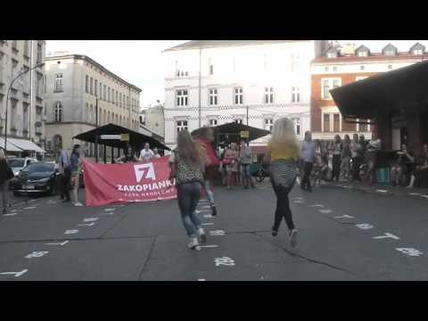 Flash Mob Kraków Plac Nowy - Rozdajemy Vouchery