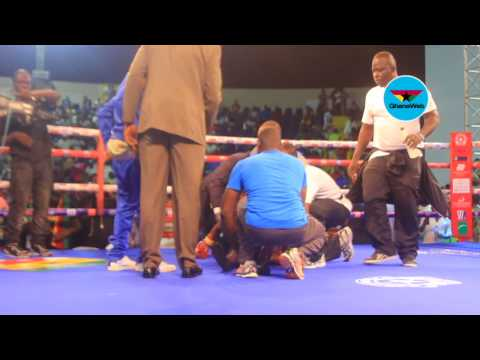 Boxer collapses after heavy punch