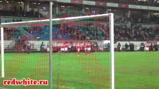 Игроки Спартака после матча благодарят болельщиков