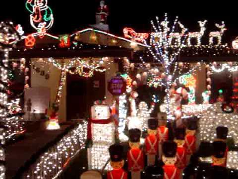 Lights at Christmas on Knob Hill - Lights At Christmas On Knob Hill - YouTube