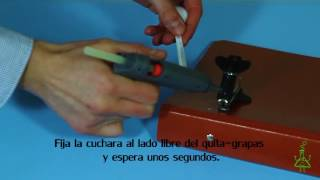 Catapulta. Experimentos (Divertiaula). How to make an easy catapult.