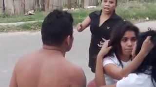Caso Tomas Aznar en Campeche, un hombre golpea a sus hijas y esposa por defender a su amante
