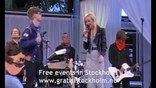 Anna Bergendahl - Live at Love Stockholm 2010, Kungsträdgården, Stockholm 5(8)