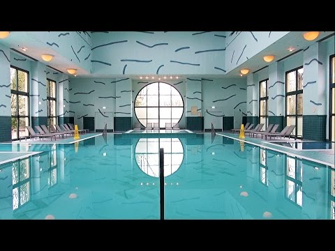 Disney's Hotel New York Pool Tour Disneyland Paris, Downtown Athletic Club - La Piscine du New York