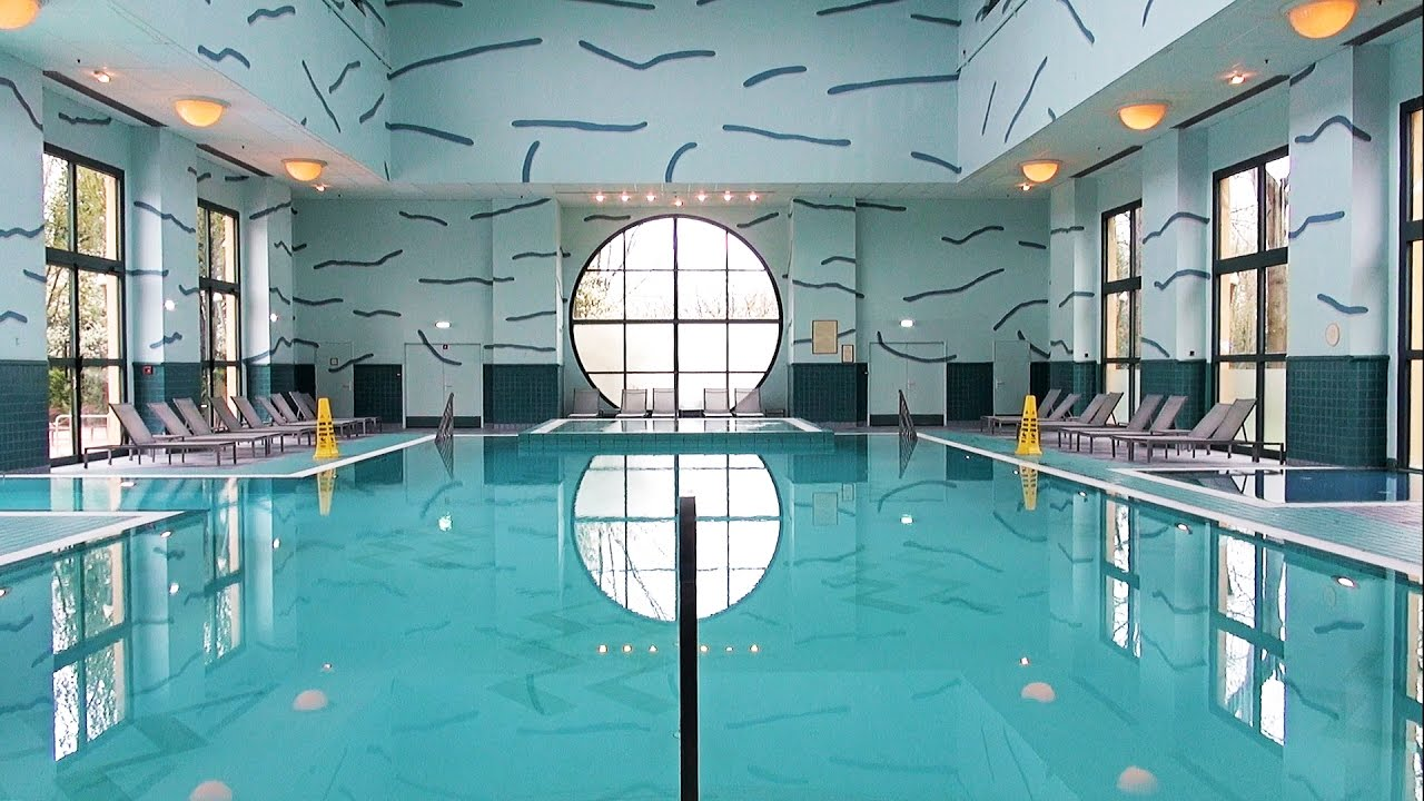 Disney 39 s hotel new york pool tour disneyland paris for Piscine new york