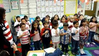 K3 kids recites the Pledge Of Allegiance
