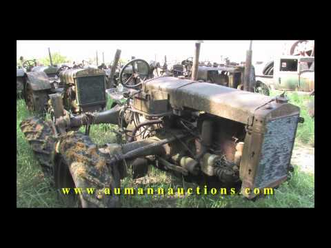 Tour of Antique Tractors - Field of Dreams 4 Day Auction - Aumann Auctions