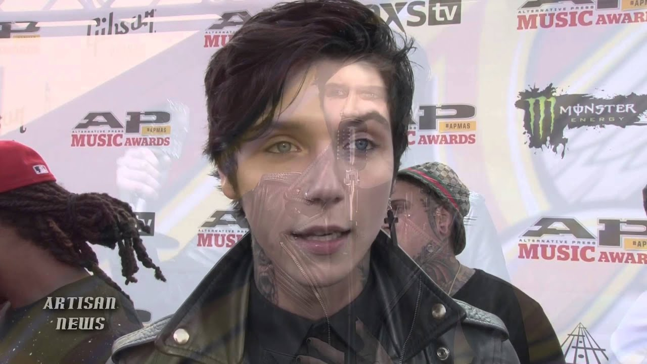 Meet Girl Who Took Black Veil Brides Apmas Award Youtube