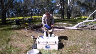 Australian Honeybee   How Beekeepers make billy tea