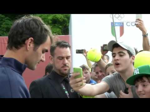 Roger Federer arrives in Rome