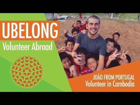 Portuguese law student volunteers in Cambodia!