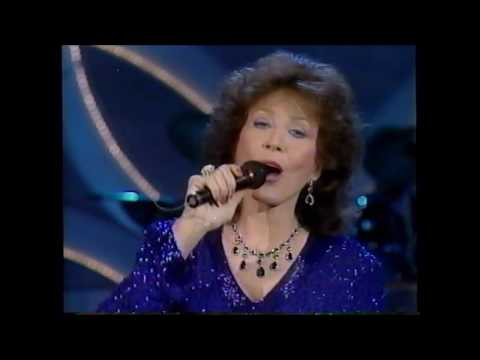Loretta Lynn - Coal Miner's Daughter - on The Tommy Hunter TV Show Canada 1990
