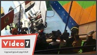 بالفيديو.. أشتباكات بين عدد من جمهور الأهلى وجمهور الأفريقي التونسى ببطولة السلة
