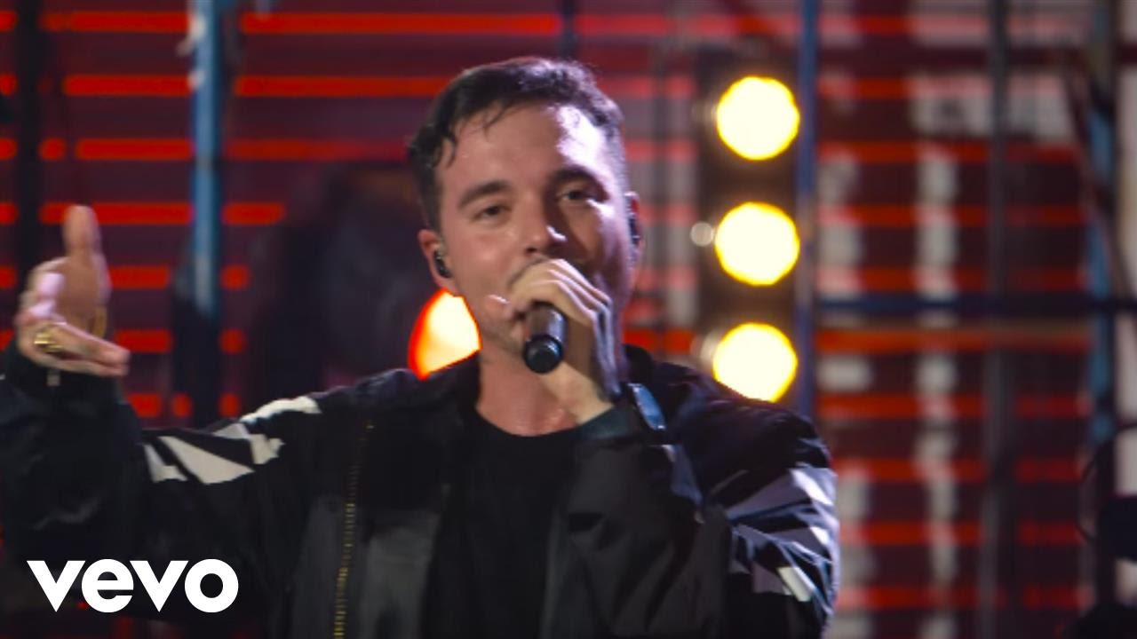Download J Balvin - 6 AM (Live at The Year In Vevo)